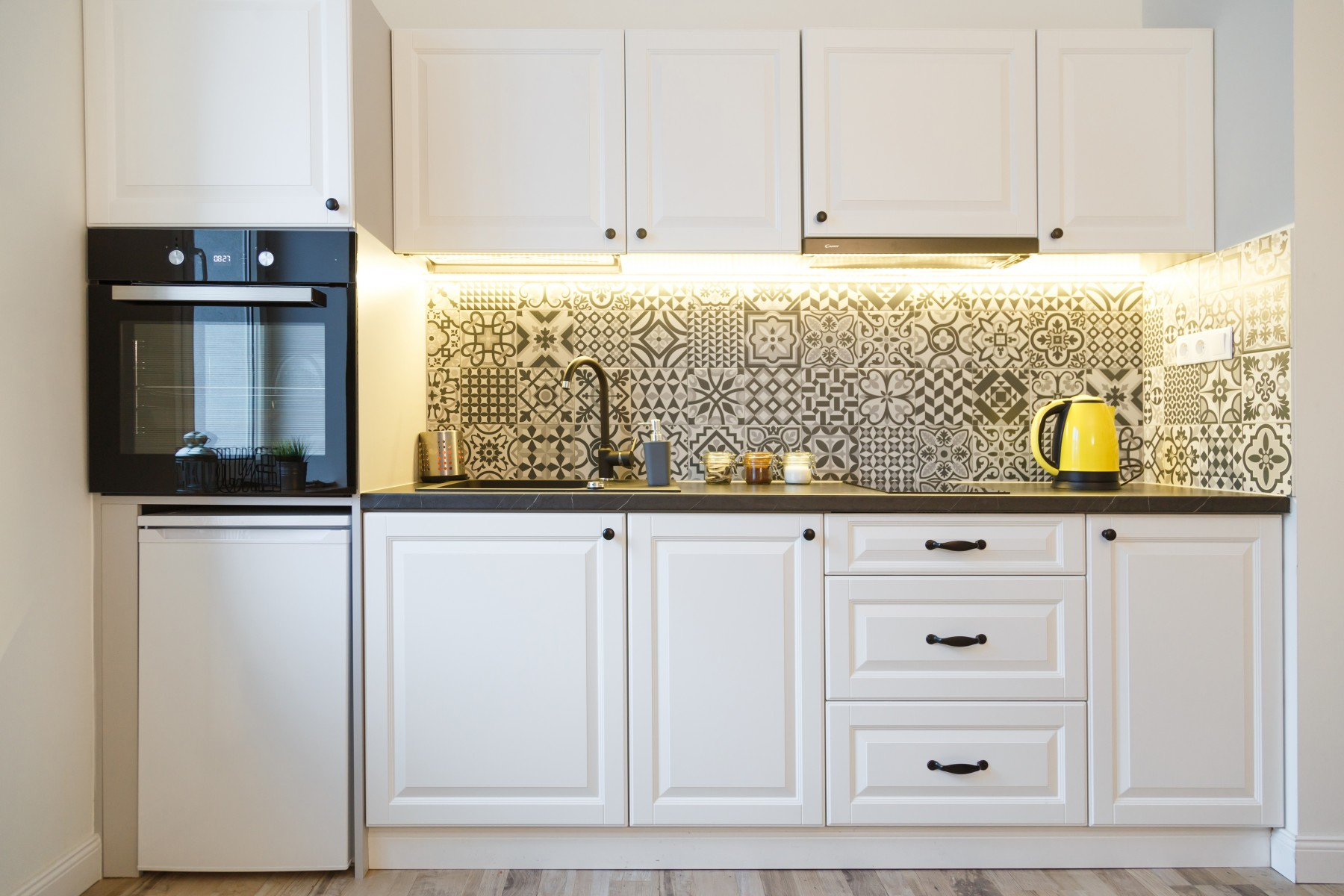 Under Cabinet Lighting in Your Kitchen - Tim Kyle Electric
