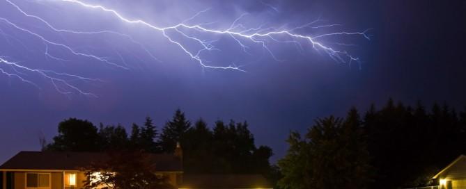 storm-proof - Tim Kyle