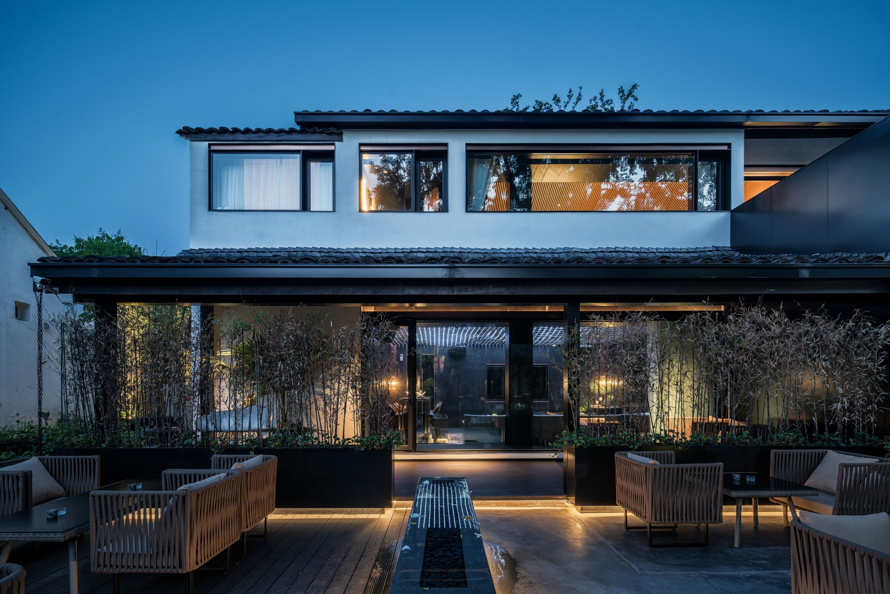 outdoor lighting - Tim Kyle